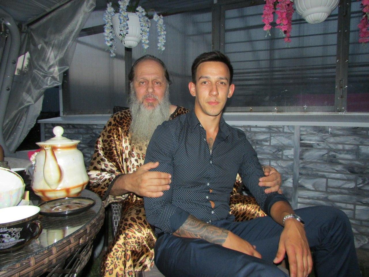 Диакон Артемий Сильвестров ПРОТОИЕРЕЙ ВЛАДИМИР ГОЛОВИН ЕЩЕ В 2011 ГОДУ «СОСТАВИЛ» СВОЕ «СВЯТОЕ ЖИТИЕ»